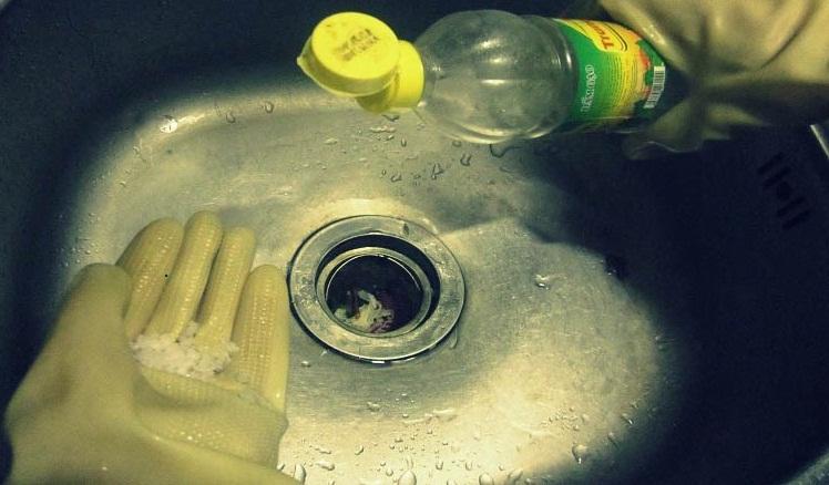 thông tắc chậu rửa bát