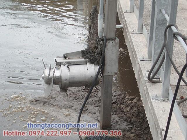 Bể điều hòa sử dụng thiết bị khuấy chìm