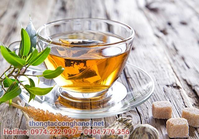 Sử dụng trà nóng