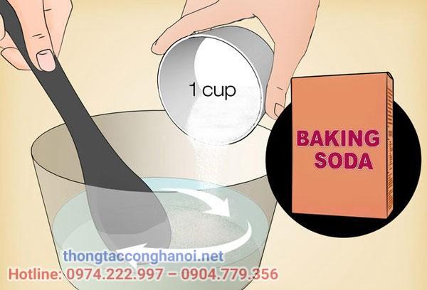 Xử lý bồn cầu bốc mùi bằng baking soda