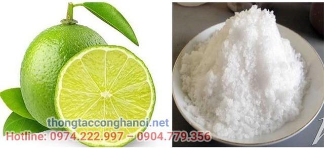 Thông cống bằng muối kết hợp với giấm và chanh