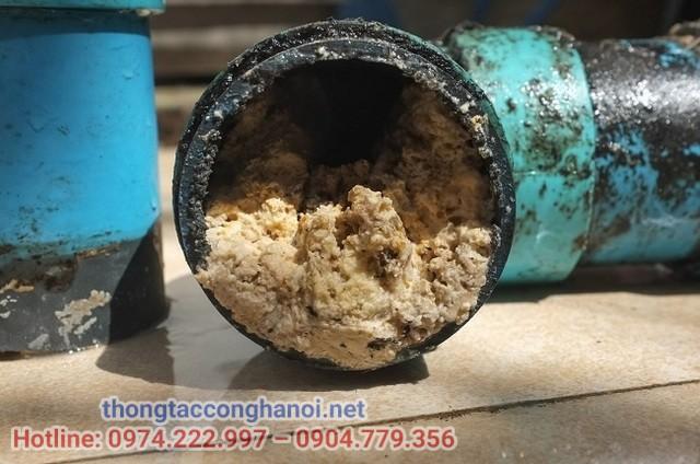 ống thoát tắc do dầu mỡ