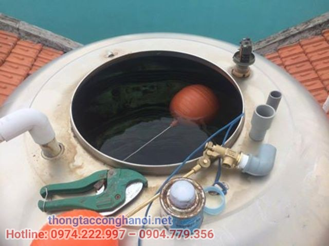 Hướng dẫn cách gắn phao cơ cho bồn nước